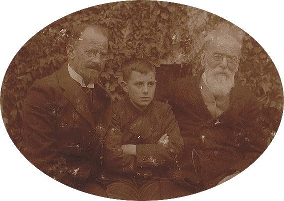 Vater Karl, Sohn Wolf und Großvater Friedrich Schmidt, 1926