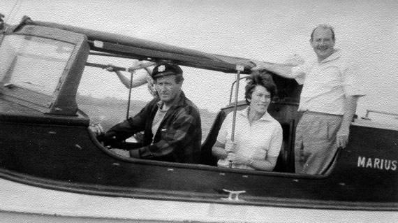 Hans Joachim Kulenkampff mit Frau und Boot zu Besuch in Hagnau am Bodensee
